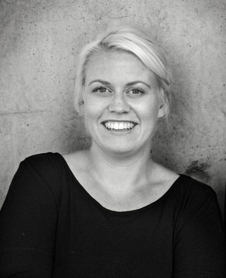 3dc0d021 Sara Wright Polmar er en dyktig designer, men også en viktig ressursperson  for norsk design. Hun er utdannet industri- og produktdesigner fra KhiO, ...